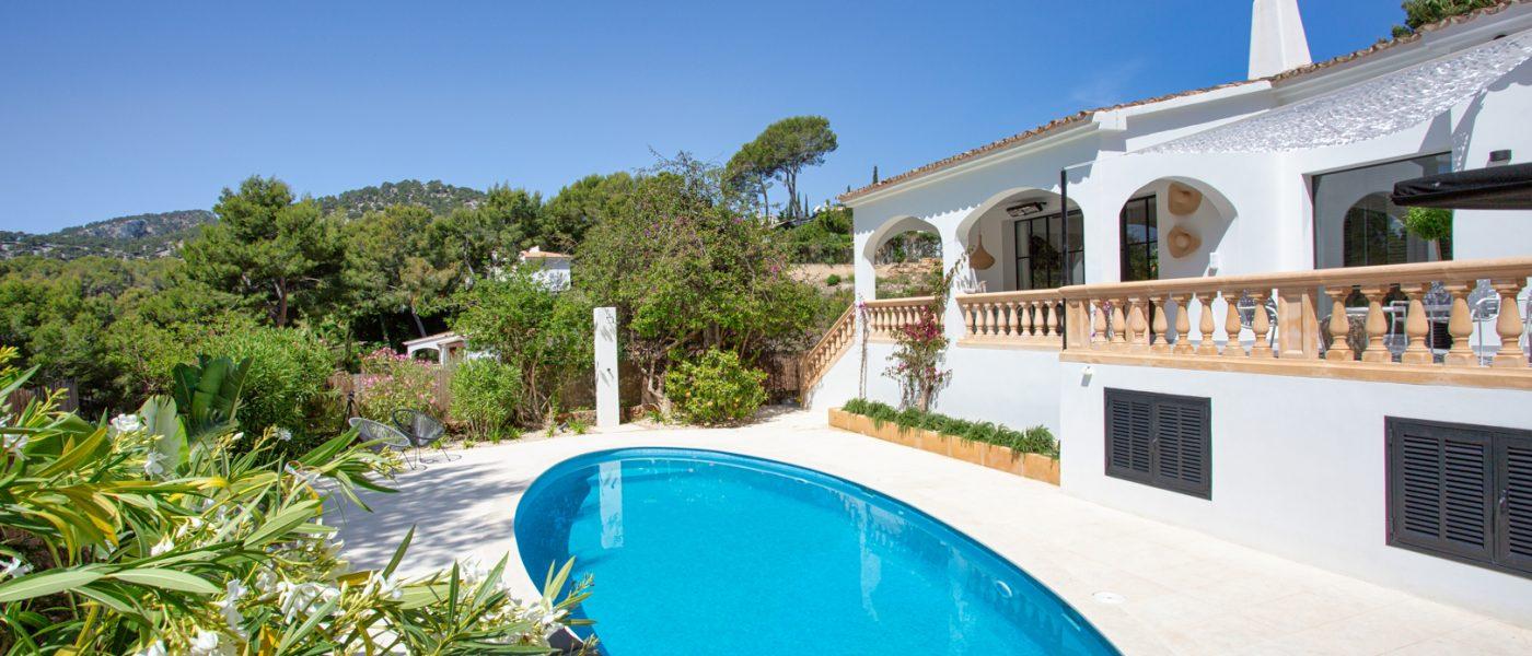 Elegant Villa Camp de Mar
